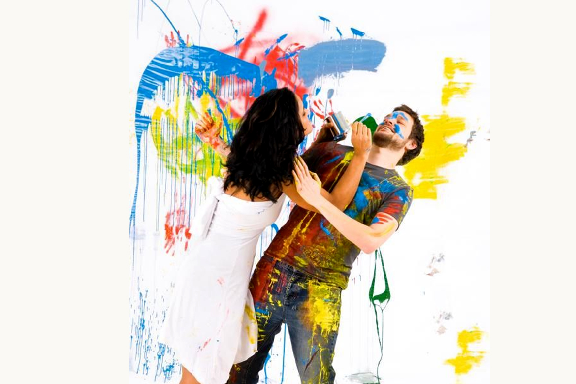 Couple paint together