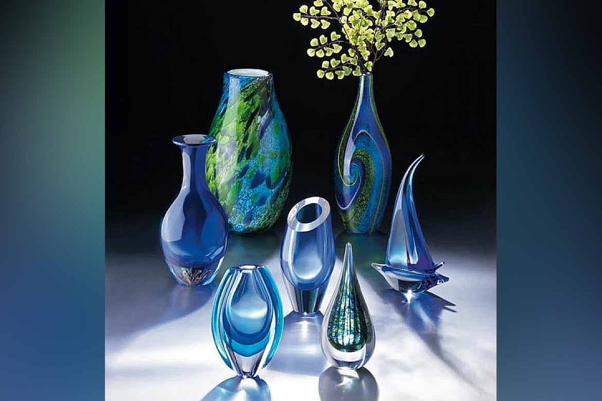 The peacock blue shade vase