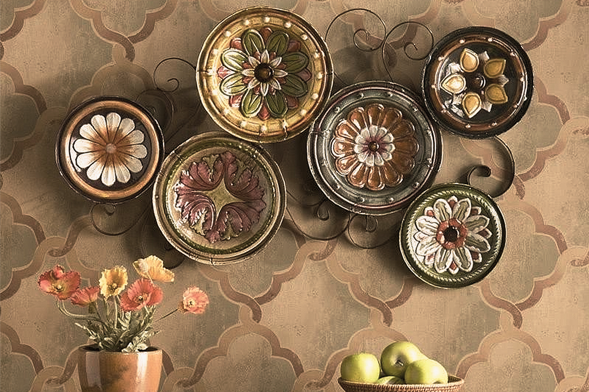Decor With Plates