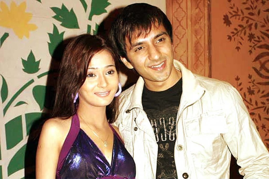 sara khan and ali