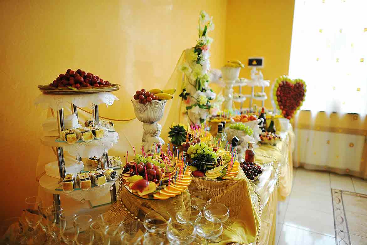 DIY decor ideas make the best out of small covid-19 wedding